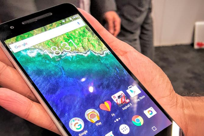Huawei Nexus 6P vs Motorola Moto X Play