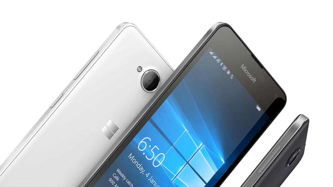 Microsoft Lumia 650 vs Nokia Lumia 735 1