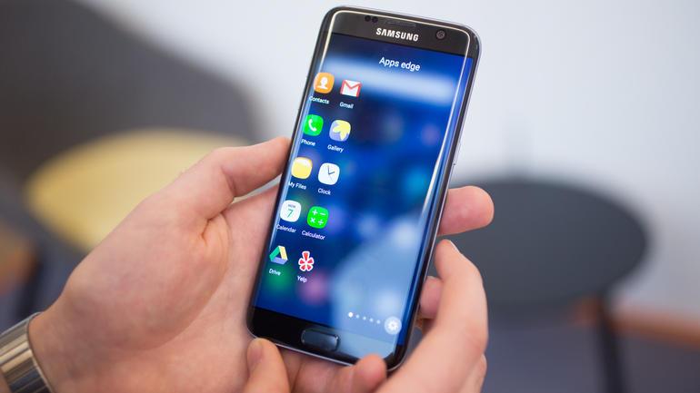Problemas de humedad en Galaxy S7  y S7 Edge