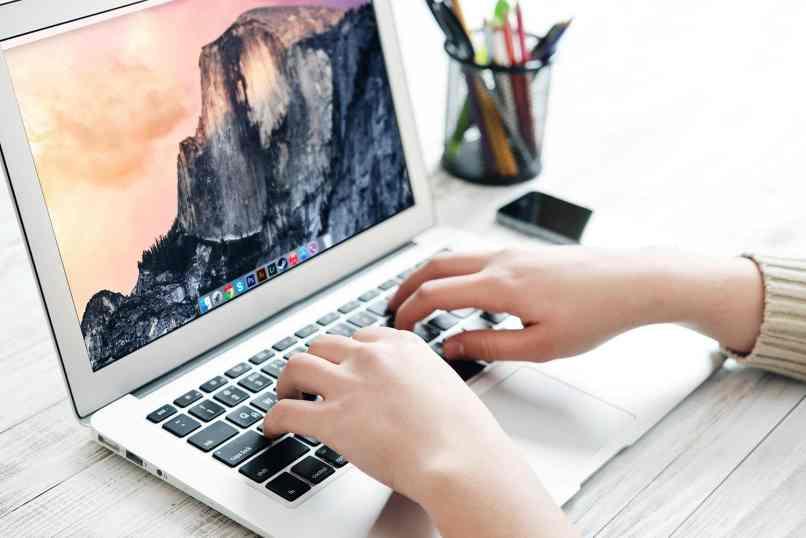 restaurar apple mac a fabrica laptop
