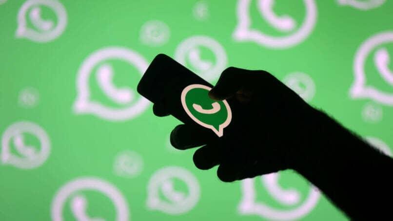 usar whatsapp movil