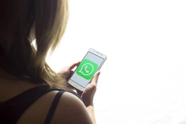 samsung con icono de whatsapp