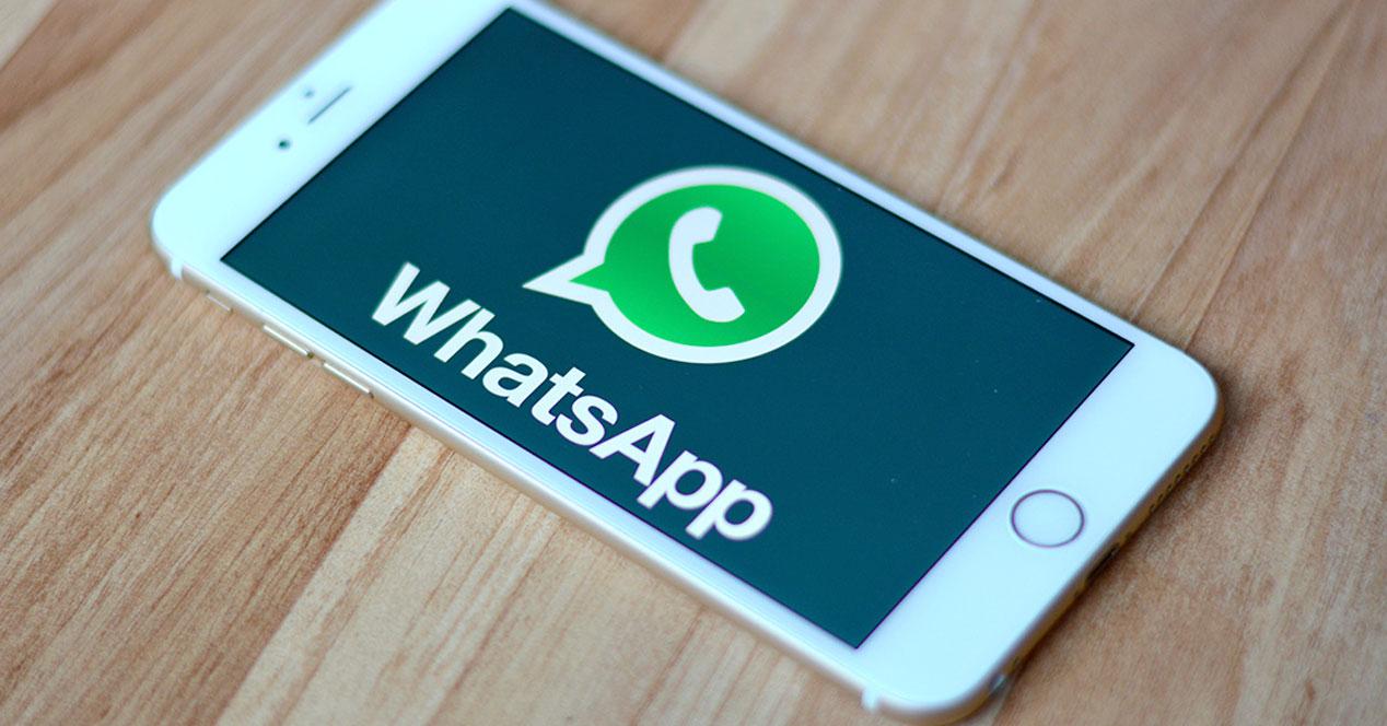 WhatsApp no borra los mensajes