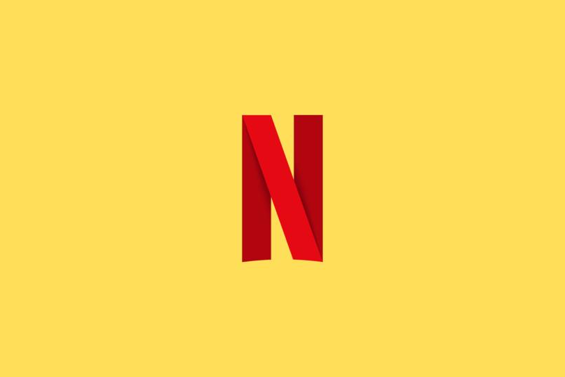 logo de netflix con fondo amarillo