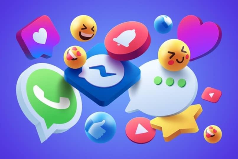 emojis junto a logos de aplicaciones