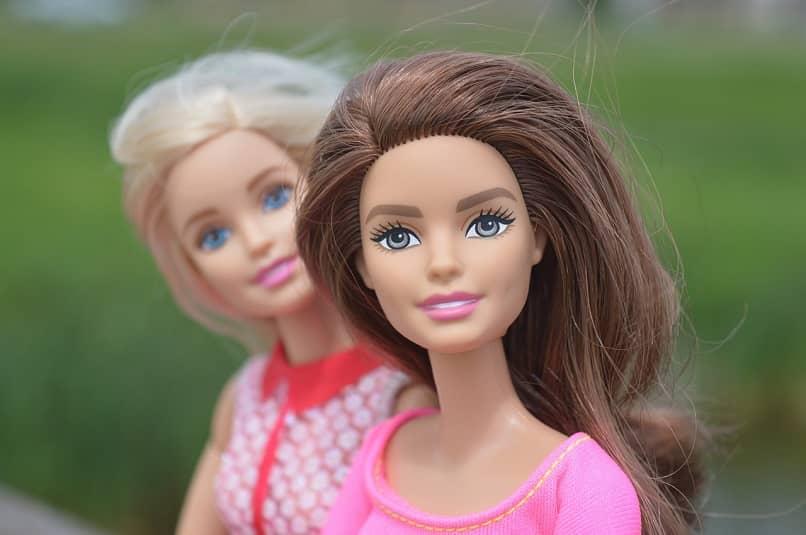 juegos android de barbie para modelar y cambiar el peinado