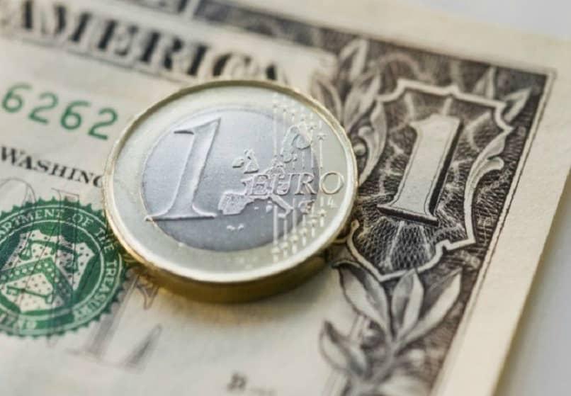 billete moneda euro dolar