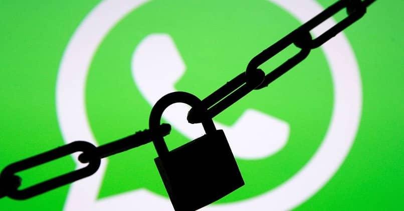 como ocultar conversacion de whatsapp