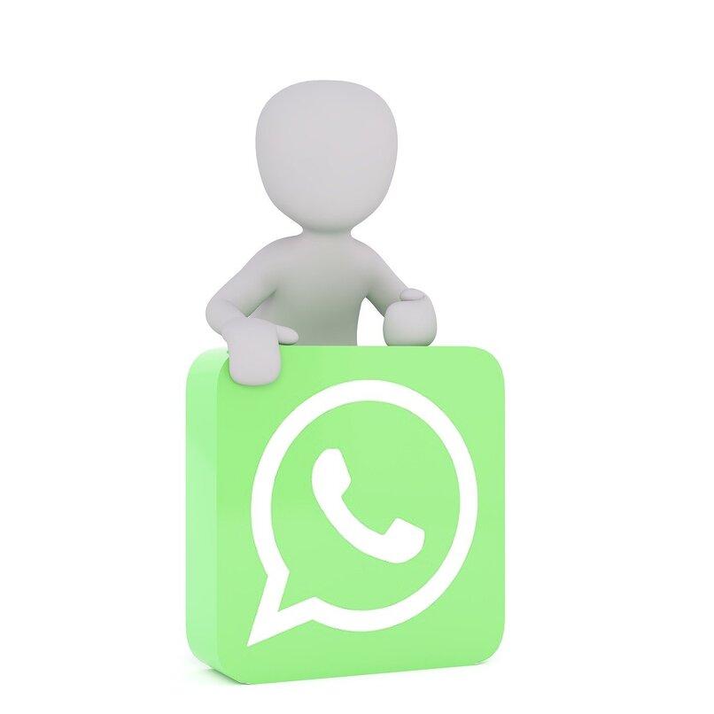 varon blanco sobre logotipo de whatsapp