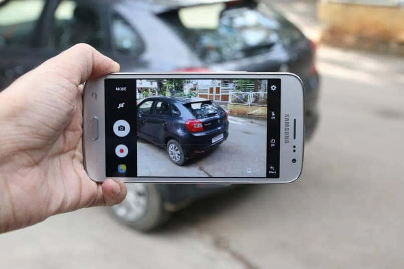 smartphone samsung tomando foto