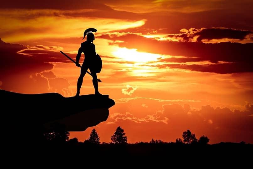 consejos y estrategias para ganar en king of avalon