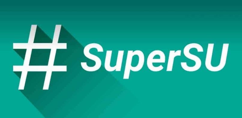 numeral supersu sobre fondo verde