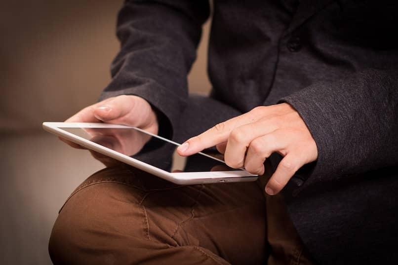 ajustar y aumentar volumen de una tablet