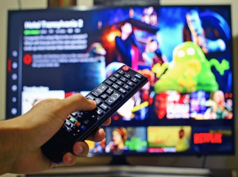 fondo netflix en pantalla tv