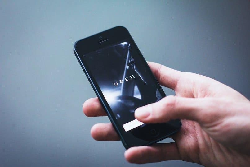 aplicación uber en smartphone