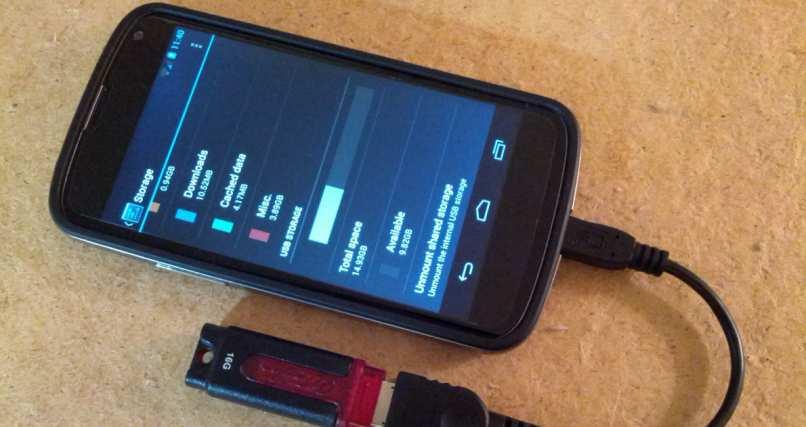 celular conectado puerto usb otg android