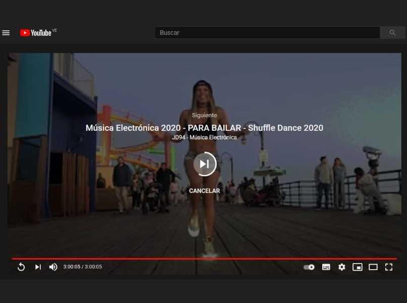 ventana de youtube reproduccion automatica mujer bailando shuffle dance