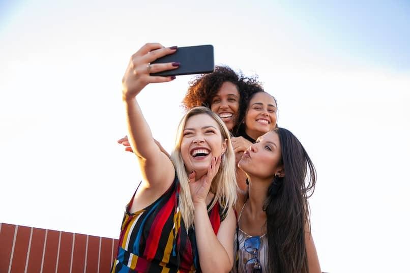 aplicaciones que ayudan a mejorar una selfie