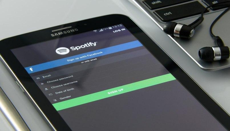 escuchar canciones spotify