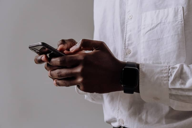 trucos para visualizar un mensaje de whatsapp en un celular iphone