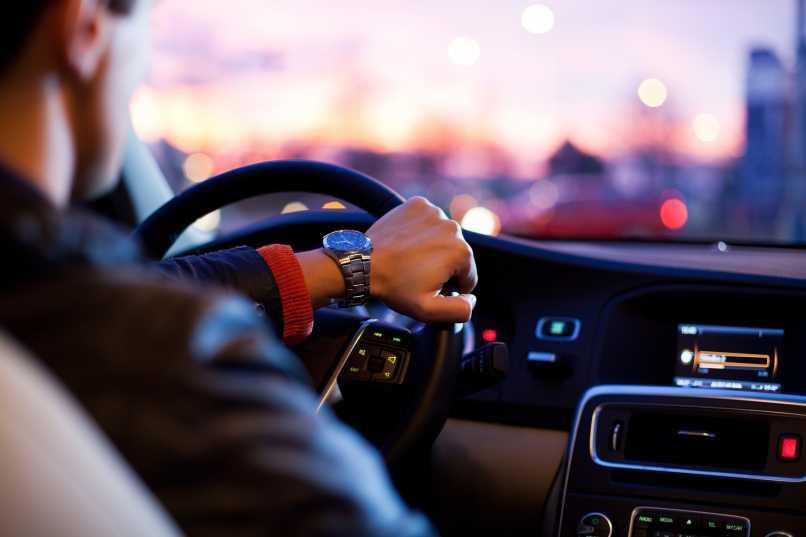 detalle auto lujo gadgets