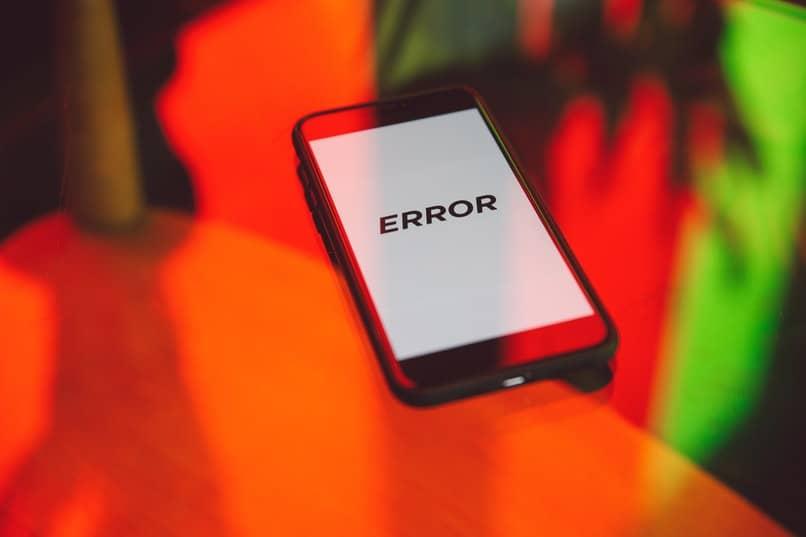 movil android con texto de error en pantalla