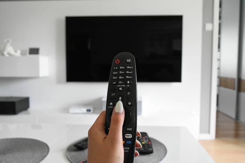 usar whatsapp en smart tv con android o ios