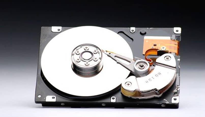 Cual disco duro es mejor HDD o SSD