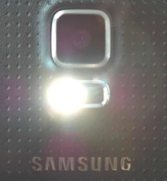 Cómo activar Modo Linterna Samsung