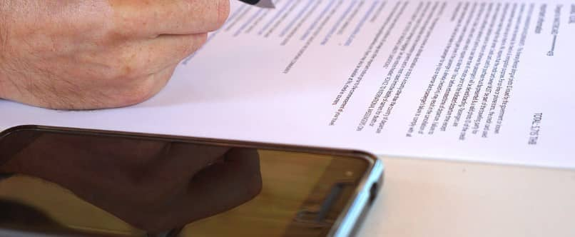 contrato escrito para hacer reclamo de garantia del telefono movil