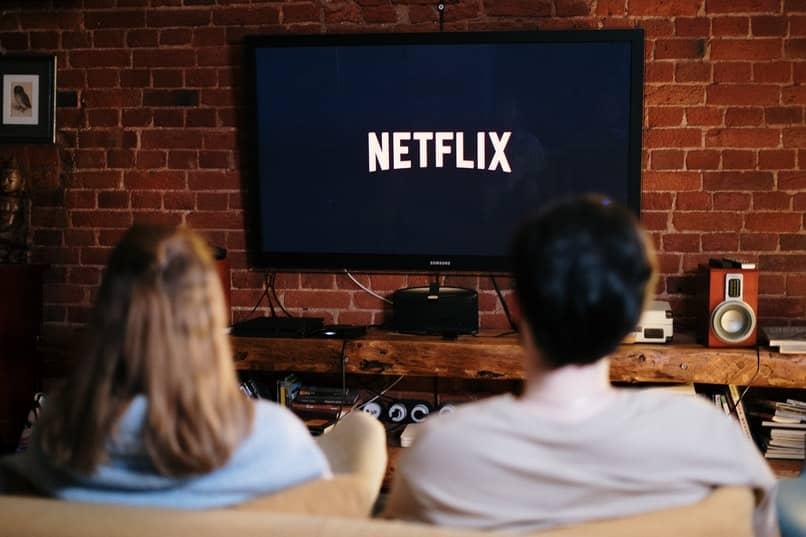 conectar mi móvil a una tv lg para compartir pantalla