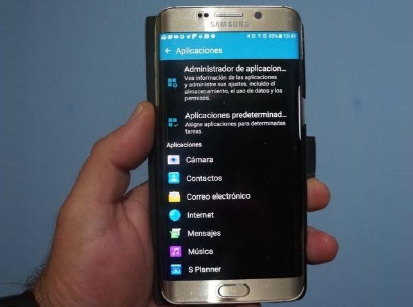 dispositivo android gris opcion detecto superposicion de pantalla fondo azul