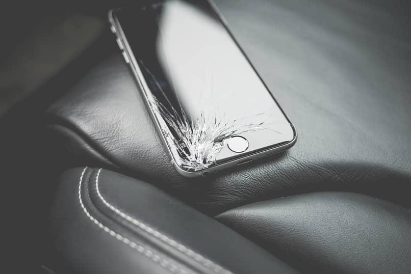 pantalla negra por caida de celular