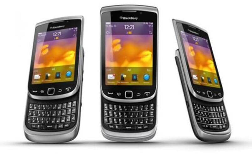 descarga e instala whatsapp para blackberry torch 9810