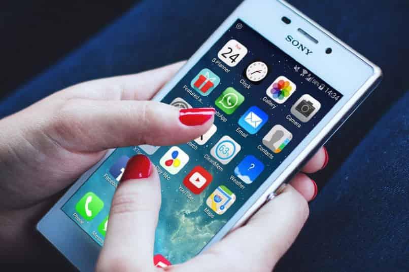 movil sony con iconos de iphone
