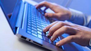teclado escribiendo