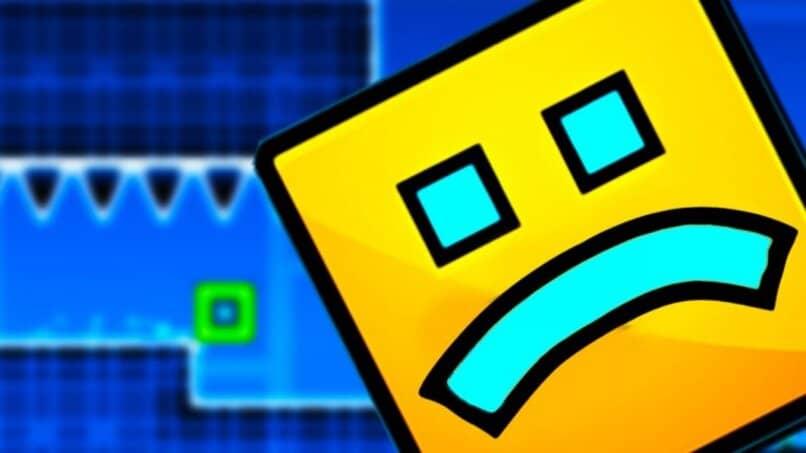bloque amarillo cara azul