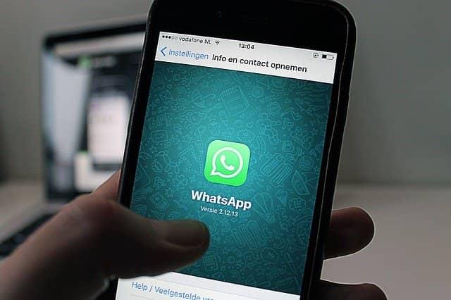 móvil icono de entrada de whatsapp