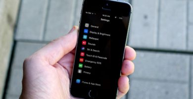Cómo Activar el Modo Oscuro en un iPhone o iPad de Forma Rápida y Sencilla
