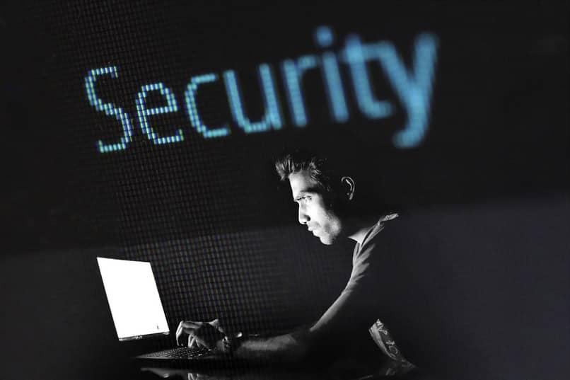 saber como eliminar un virus del ordenador