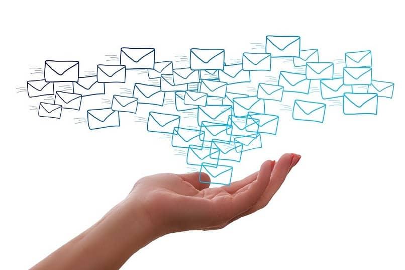 como enviar correo a grupo en outlook y cuales son sus ventajas
