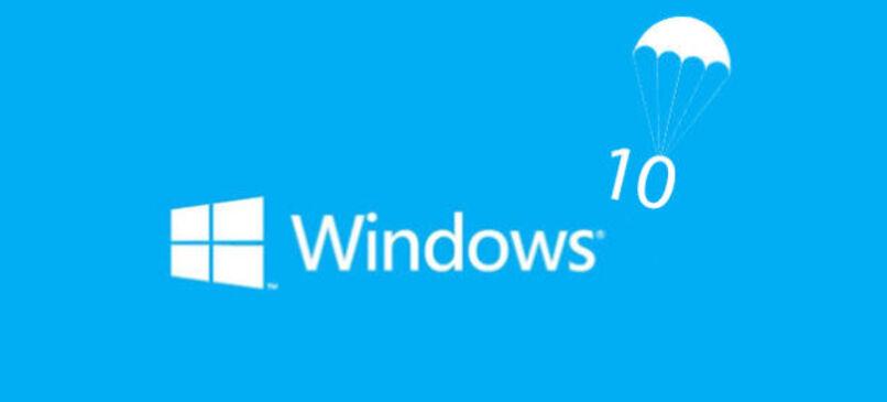 logo de windows 10 con un paracaidas