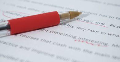 Cómo Eliminar las Marcas de Corrección en Microsoft Office en Windows y Mac
