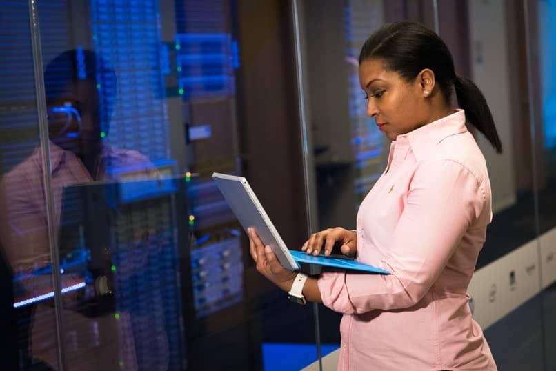 tutorial para iniciar servicios en servidores linux