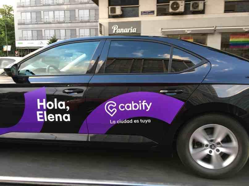 cabify anuncio morado
