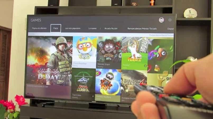 tv android hiesense en sala con juegos