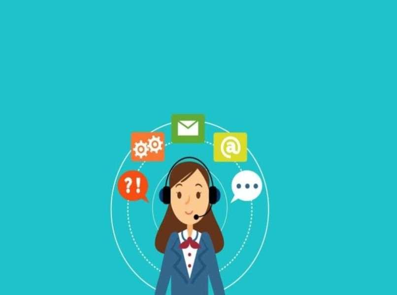 icono de persona engranaje mensajeria y texto en fondo azul celeste