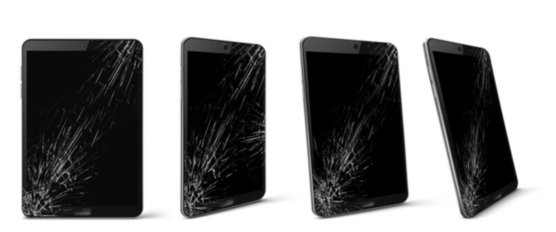 varias tablets con las pantallas rasgada