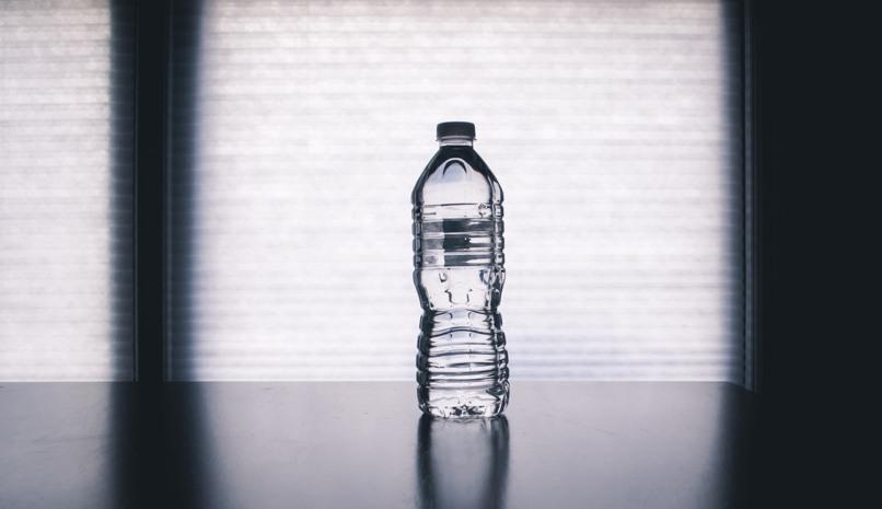 truco facil movil dentro botella