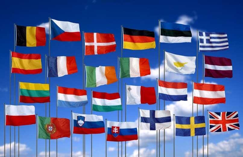 varias banderas del mundo